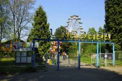 640px-lunapark_lodz_enter.jpg