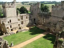 bodiam-castle2.jpg