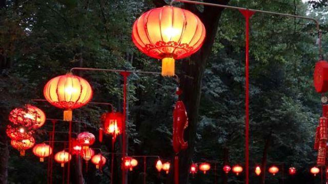 WARSZAWA: III Festiwal Lampionów w Łazienkach Królewskich