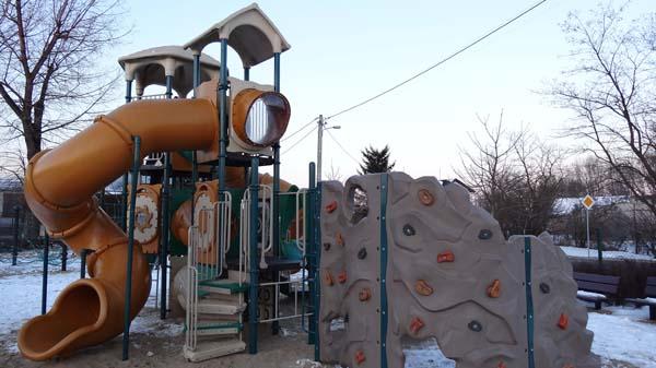 Plac zabaw przy Gronowej