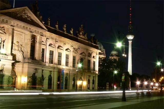 Wieża telewizyjna w Berlinie (Berliner Fernsehturm)